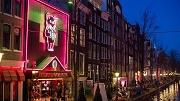 Amsterdam, 5 december 2016 - Casa Rosso, sekstheater op De Wallen (Oudezijds Achterburgwal). Foto: Mats van Soolingen