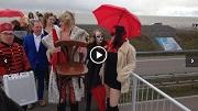 AT5 Amsterdamse prostituees vermaken verkeer Afsluitdijk