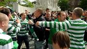 Celtic fans aangevallen © Frank Buis