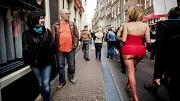 NU prostituees-bezetten-panden-amsterdamse-wallen (© anp)