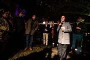 2018-12-11 18:07:06 AMSTERDAM - Burgemeester Femke Halsema heeft een ontmoeting met bewoners en ondernemers van het Wallengebied. Samen met stadsdeelbestuurder Micha Mos geeft ze een toelichting op enkele korte termijn maatregelen die de gemeente neemt om overlast op de Wallen tegen te gaan. ANP JEROEN JUMELET