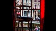 2014-01-31 16:08:50 AMSTERDAM - Een lege stoel in een peeskamer in Red Light Secrets, het eerste museum over prostitutie in Nederland. Bij het museum, dat gevestigd is op de Amsterdamse Wallen, draait het allemaal om het leven in de rosse buurt. Bezoekers krijgen een inkijkje in de wereld van de prostituees. ANP KOEN VAN WEEL