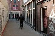 Telegraaf In veel straatjes zijn bordeleramen gesloten
