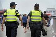 DEN HELDER - Politie, politieagenten, surveilleren, patrouilleren, patrouille, evenement, bewaking, agenten,  Politie politieagenten surveilleren patrouilleren patrouille evenement bewaking agenten